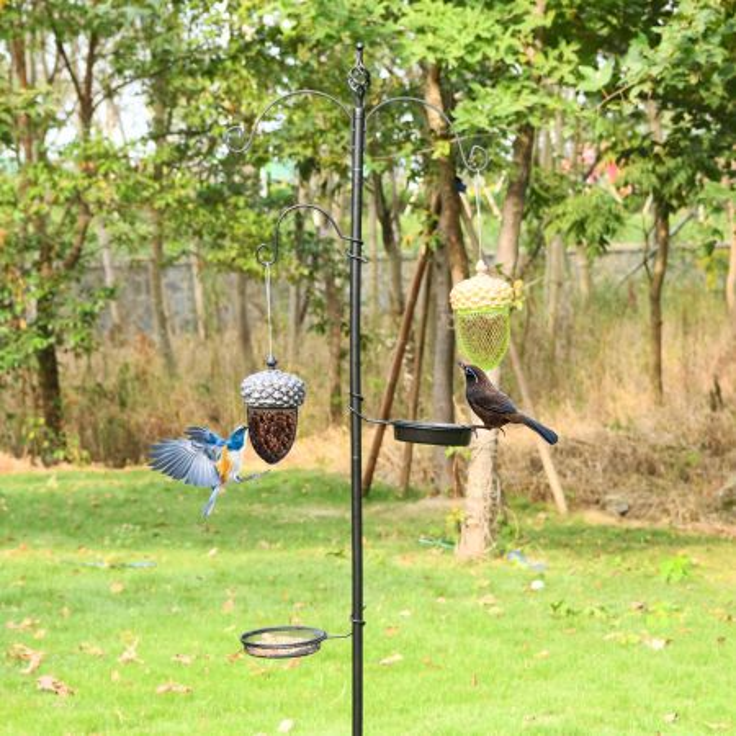 Costway Mangiatoia di metallo a forma di ghianda per uccelli, Mangiatoia da appendere all'esterno, Nero