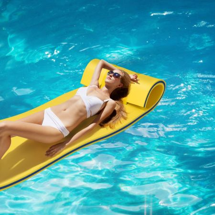 Costway Tappeto galleggiante per attività acquatiche 210 x 66 cm, Tappetino in schiuma per svago e relax, Giallo